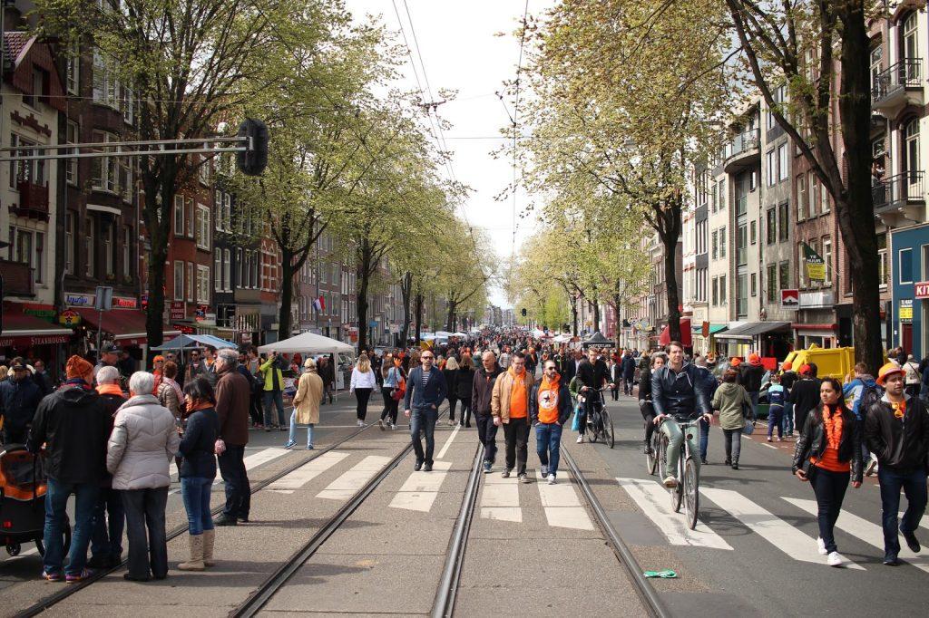 kuninkaanpäivä Amsterdamissa