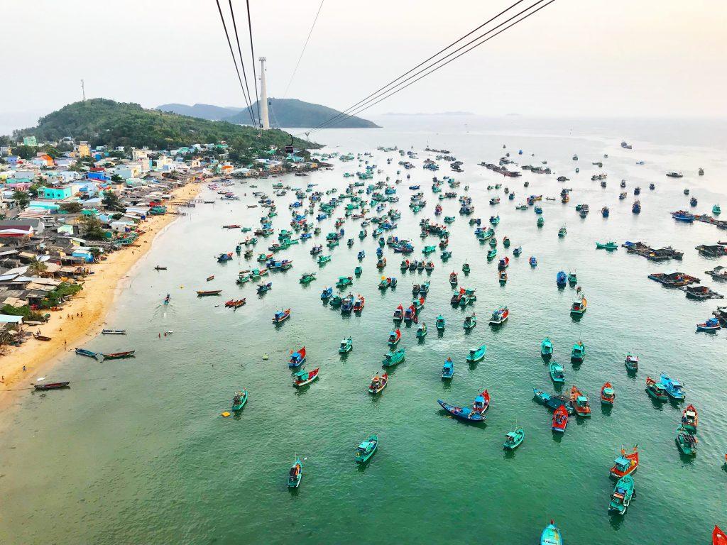 Phu Quoc tarjoaa matkailijoille paljon mielenkiintoista tehtävää. Saarelta löytyy mm. maailman pisin köysirata.