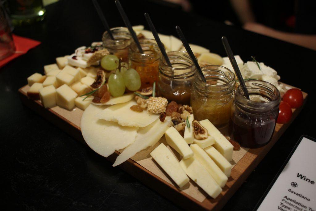 cinque wine and deli athens